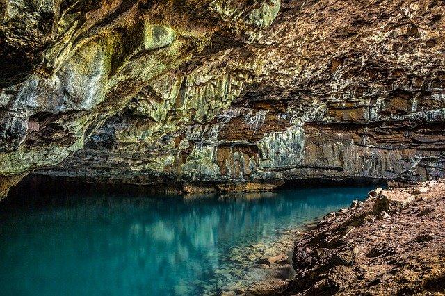 voda v jeskyni