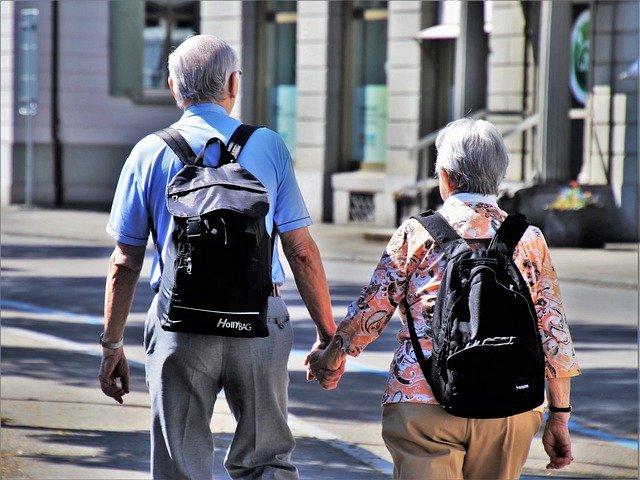 procházka seniorů